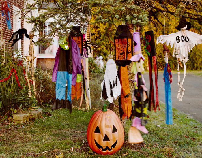 Celebrating Sarah—Halloween, 17-1310-14, Archival Pigment Print—8x10, 16x20, 32x40, 40x50